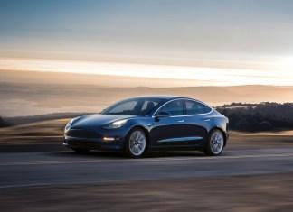 Tesla Model 3, una dintre cele mai așteptate mașini electrice
