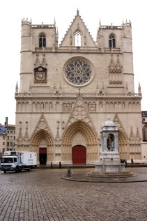 The not very impressive facade of Lyon cathedral
