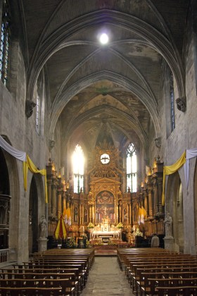 The nave of the church of St Pierre in Avignon