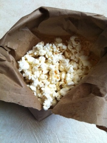 NuNatural recipe; 2 ingredient Cherry Vanilla Popcorn; Enticing Healthy Eating