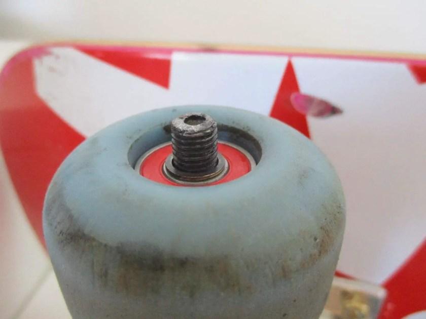 How to put bearings on skateboard wheels 5