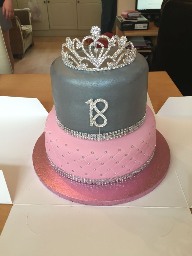 18 Birthday Cakes Girls 18th Birthday Cake Parties And Events Pinte