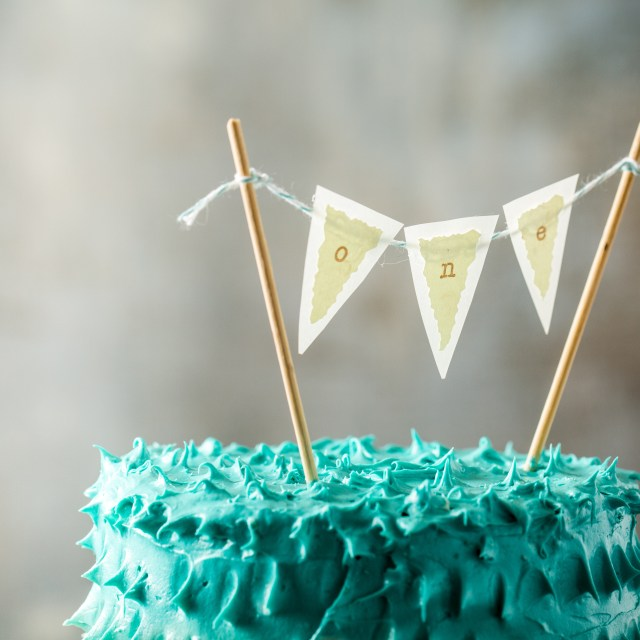 1St Birthday Cakes Peek A Boo Berry Smash Cake First Birthday Party Little Rusted Ladle