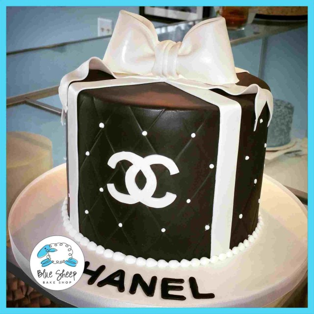 Chanel Birthday Cake Chanel Birthday Cake Photos Artatphoto