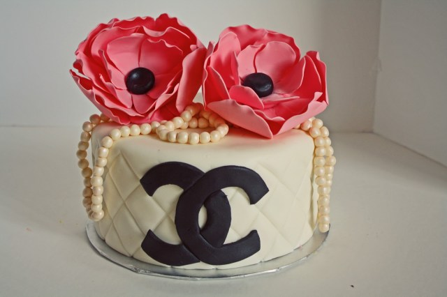 Chanel Birthday Cake Sab Cakes Chanel Pearls And Flowers Birthday Cake