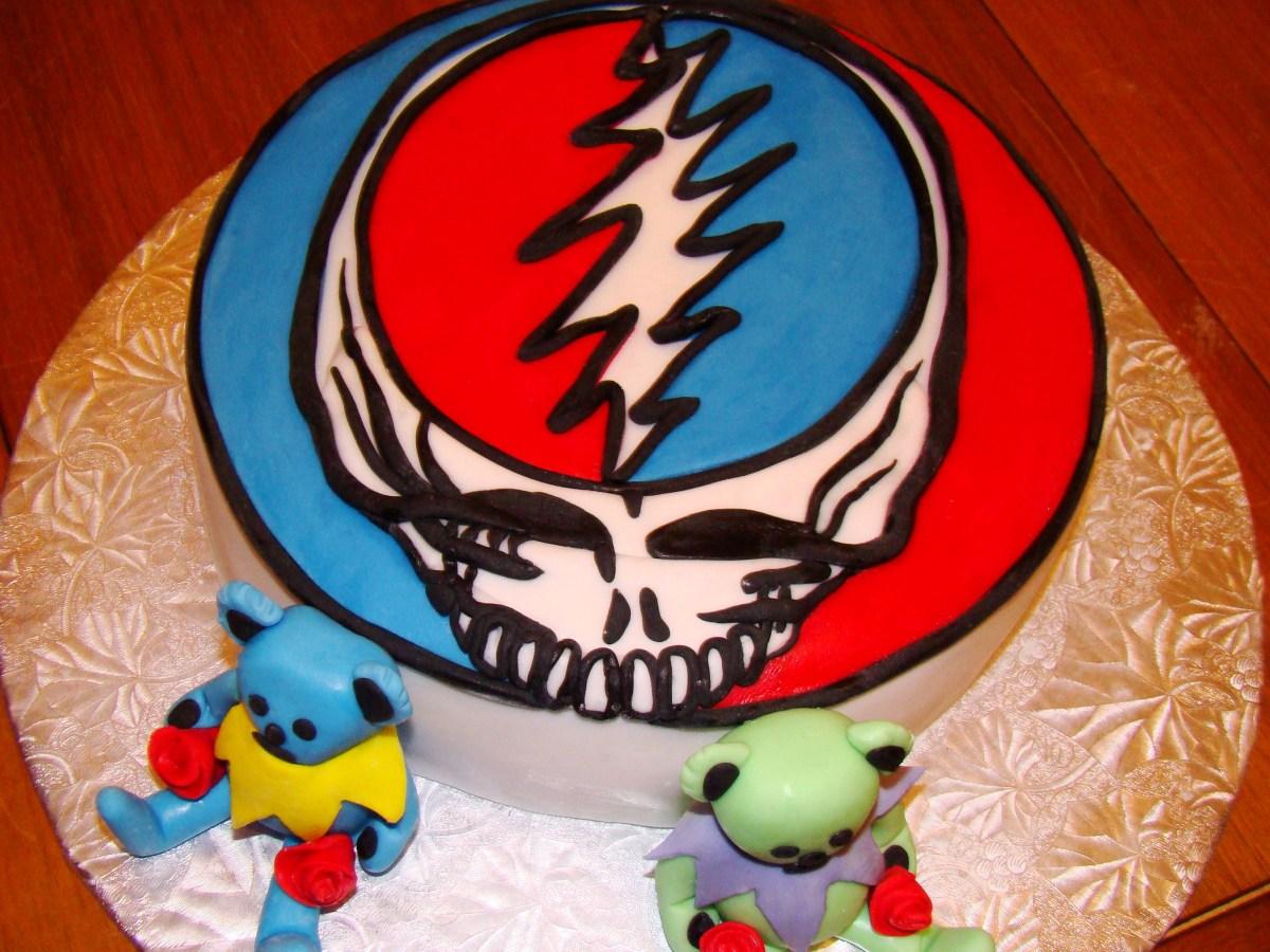 Grateful Dead Birthday Cake Grateful Dead Cake Covered With Fondant Cakes Pinterest Cake