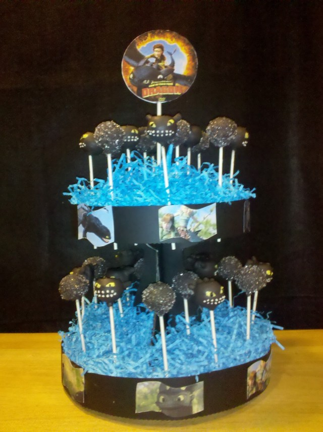 How To Train Your Dragon Birthday Cake How To Train Your Dragon Cakepops Valletta Cakes And Crafts Of