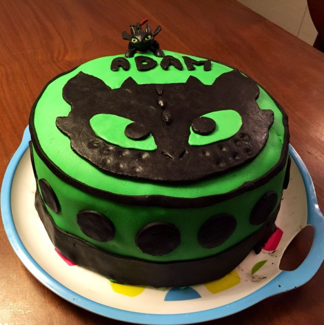 How To Train Your Dragon Birthday Cake Toothless Birthday Cake Easy How To Train Your Dragon Fondant Gteau