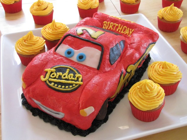 Lightning Mcqueen Birthday Cake Lightning Mcqueen Birthday Cake With Pictures