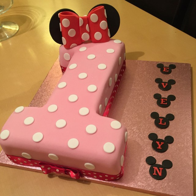 Minnie Mouse Cakes 1St Birthday Minnie Mouse Themed 1st Birthday Cake Minnie Mouse Bday