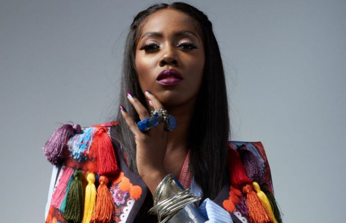 [18+] Tiwa Savage Breaks The Internet As She Posted Bra-less Nud* Pictures (Photos)