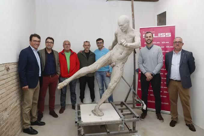 Iniesta statue