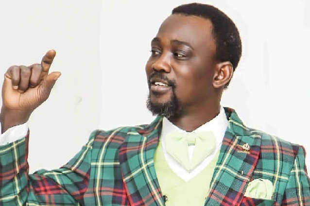 "Moment Fuji Singer ""Pasuma"" Was Chased Out of #EndSARS Protest [VIDEO]"
