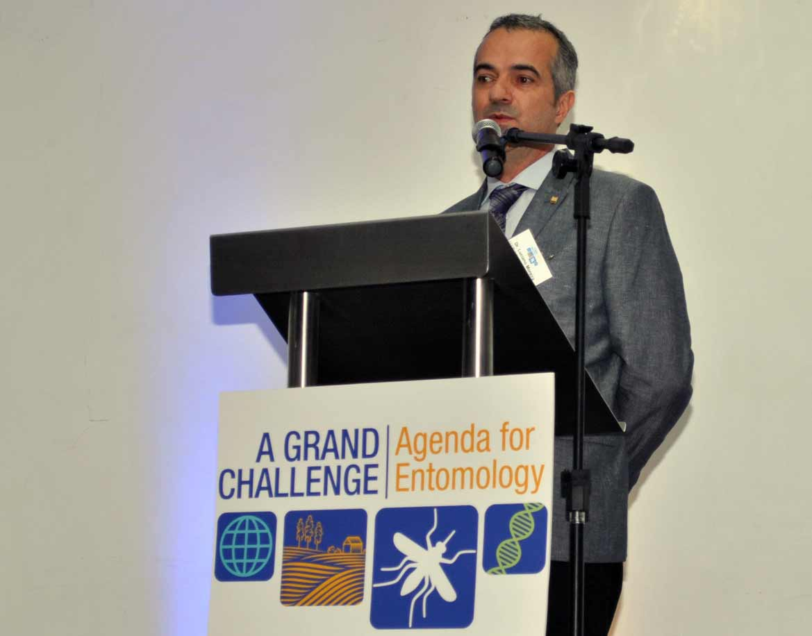 Dr. Luciano Moreira, Summit Co-Chair and Project Leader of the Instituto Oswaldo Cruz.