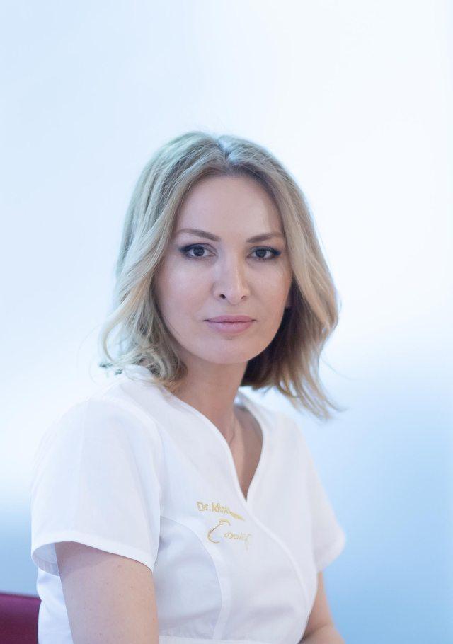 Dr. Adina Alexandru