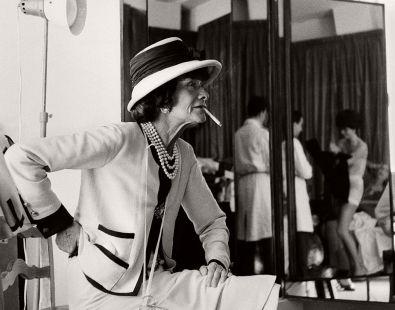 vintage-bw-photos-of-fashion-icon-gabrielle-coco-chanel-1962-douglas-kirkland-03