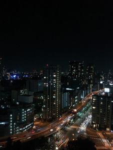 本当に夜中でも眠らない東京。38階に勤めていた時は、残業しながらの夜景に何も感じなくなっていました