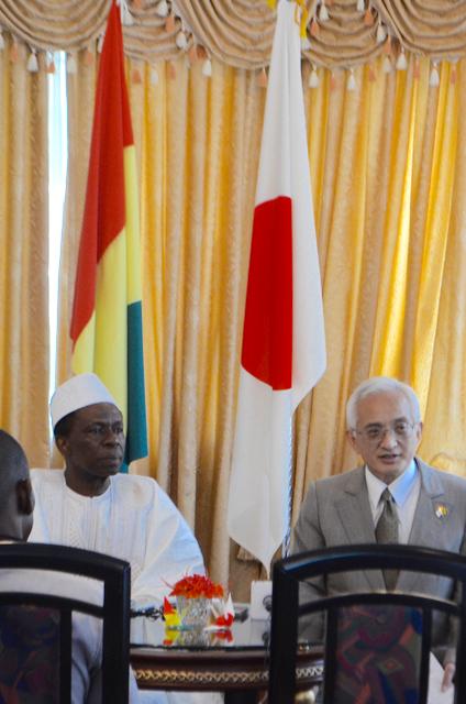 サンコンさんと在ギニア日本大使