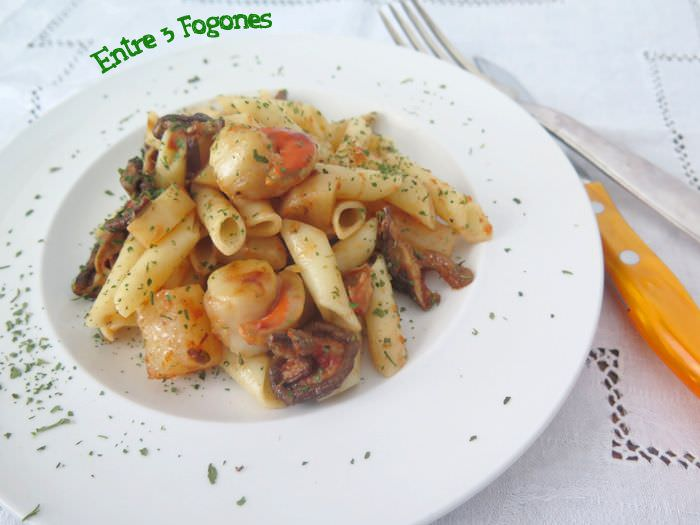 Photo of Macarrones con Vieiras y Ajo Negro