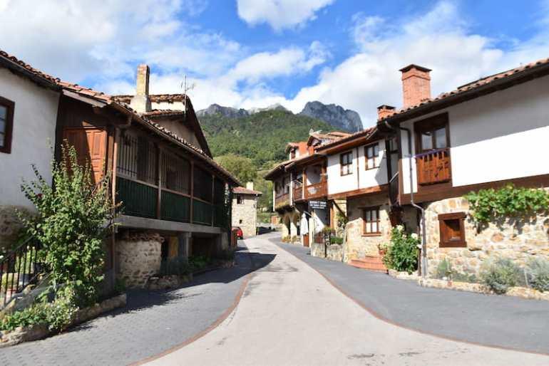 Calles de Mogrovejo