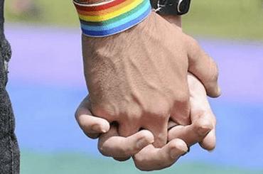 gay2014-08