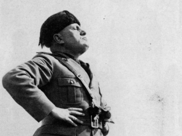 Mussolini arrebatado