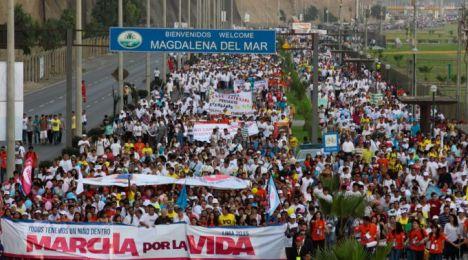 MarchaPorLaVidaLimaPeru_EduardoBerdejo_ACIPrensa_220315