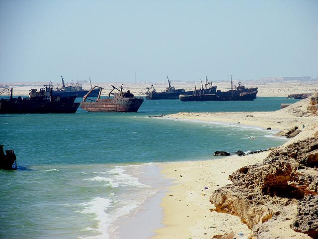 Pesqueros en las costas mauritanas de Nouadhibou. / Flick