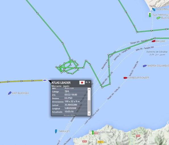 Posición del rastro de la patera y el barco que muestra la posición SAR español. / Localizatodo