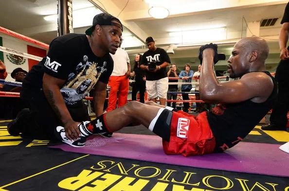 abdominales boxeo, como mejorar resistencia en boxeo, golpear, consejos, sesiones de entrenamiento, sacos, guantes de boxeo
