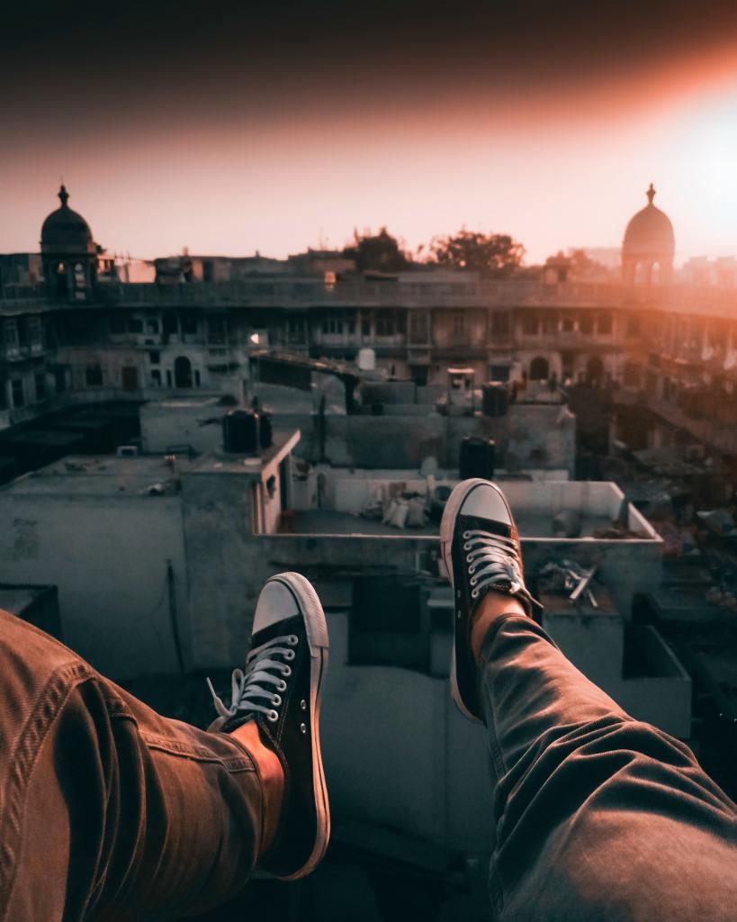 jeune entrepreneur au dessus des palais indiens