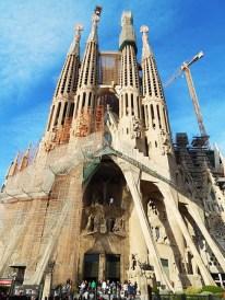La Sagrada Familia, aun no terminada de construir, fue en la obra en la que el arquitecto Antonio Gaudí dedico mayor tiempo de su vida.