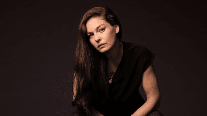 Alexa Davalos entra para elenco de 'FBI: Most Wanted'