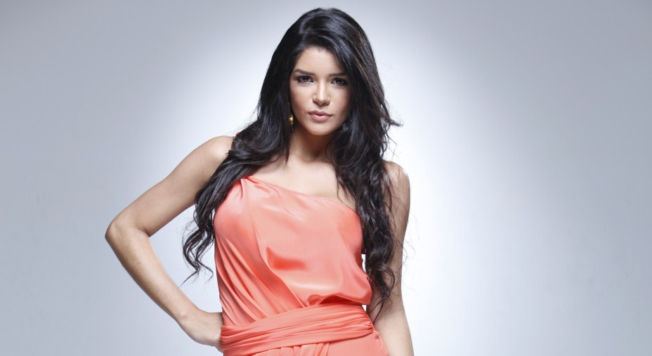 Karen Bray es la Chica E! Colombia 2011