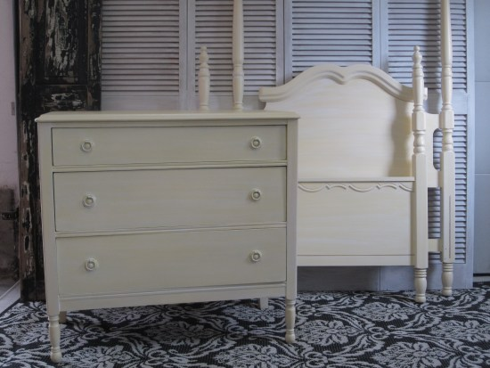 EntriWays.com: Girl's Yellow Bedroom Set, White Glaze Over Yellow
