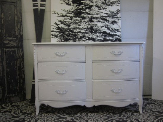 White french 6 drawer dresser