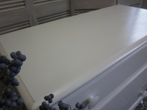 white rock maple dressers