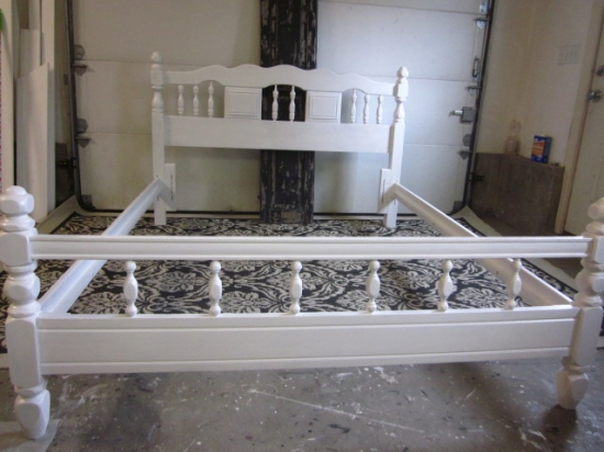 New white queen full bed