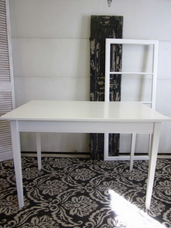 white-table-desk_img_6562