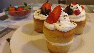 Cupcakes con chocolate y fresa