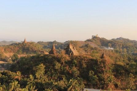 La vue depuis le sommet d'une colline.