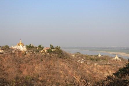 La vue depuis le haut de la colline.