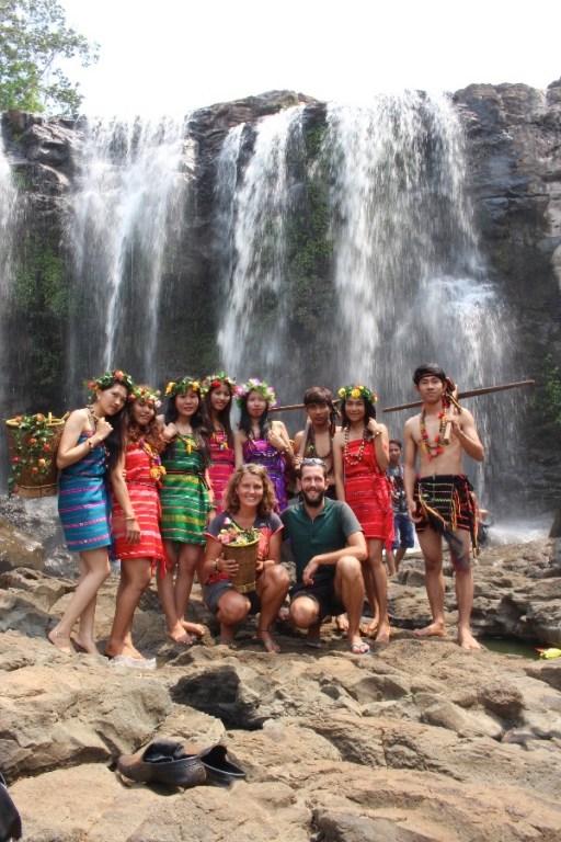 Les filles et garçons de l'ethnie Bunong.
