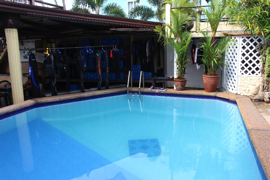 piscine-hotel-puerto-galera