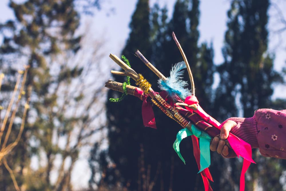 Egentillverkade magiska trollstavar. DIY med barn.
