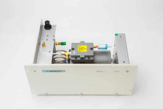 Nullgas Generator Modell 8301LC-7 Ecotech Innenansicht