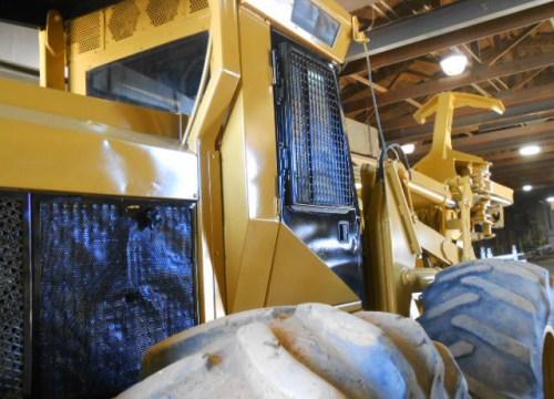 Heavy Equipment Restoration: Metal Surface Reconditioning