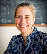 Portrait: Elizabeth Borer