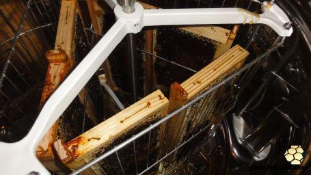 Colocação de quadros no extrator