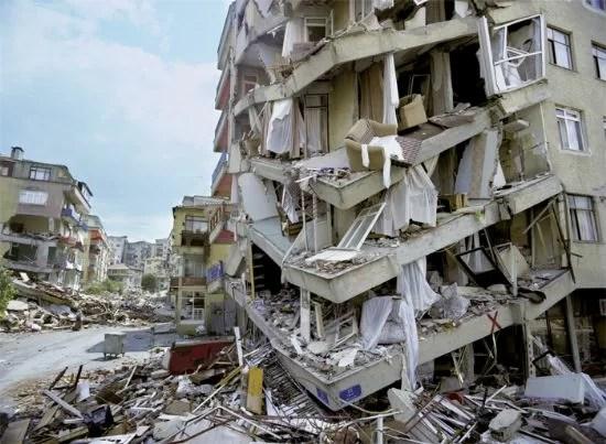 deprem.. - Deprem İle İlgili Sözler - Deprem Sözleri, Acı Sözler, Üzgün Anlar, guzel-mesajlar, anlamli-sozler